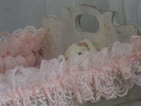antique baby cradle 007