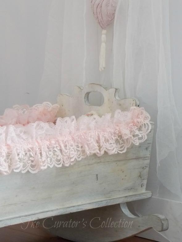 antique baby cradle 010