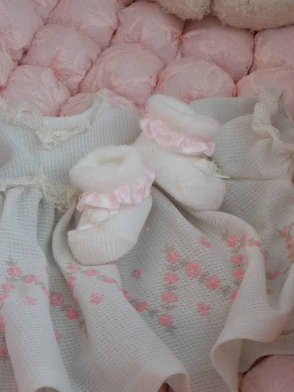 antique baby cradle 027