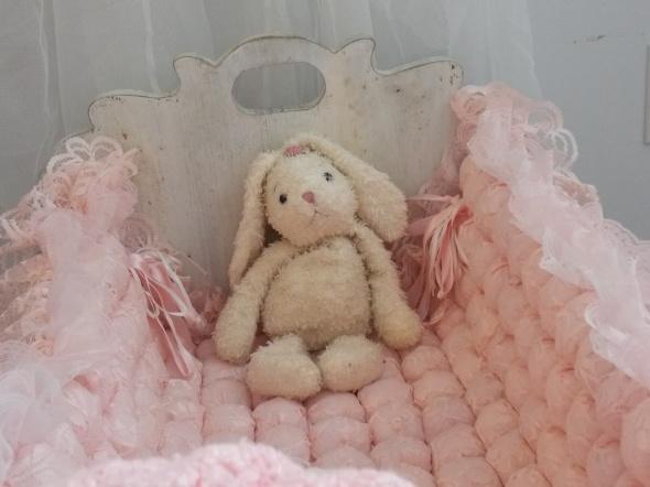 antique baby cradle 063