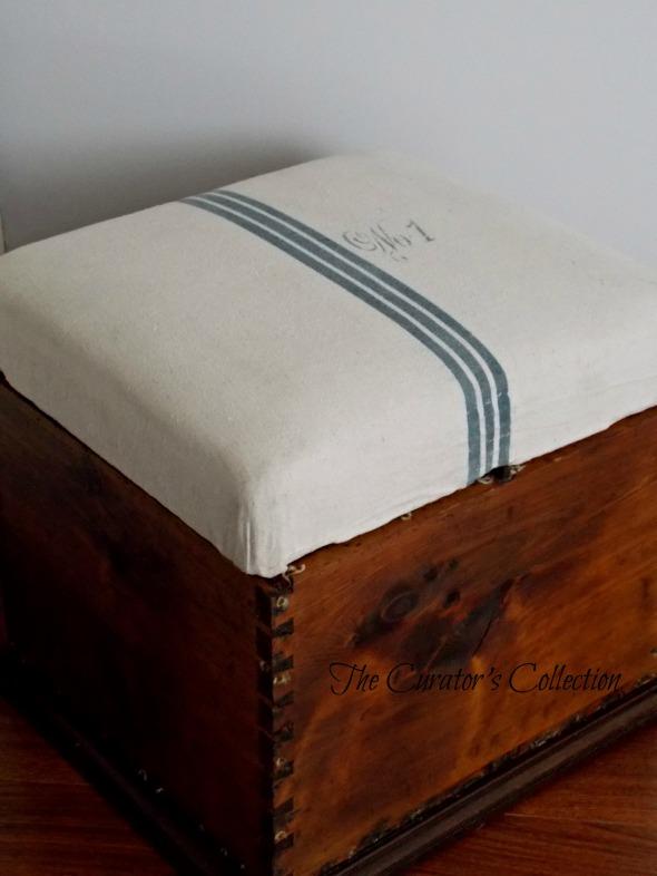 Settee, mid century modern buffet, blanket box 076