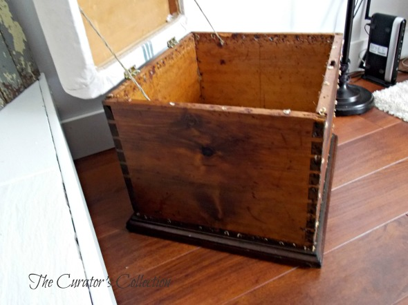 Settee, mid century modern buffet, blanket box 079