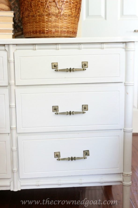 021616-7-Annie-Sloan-Chalk-Painted-Dresser-in-Pure-White
