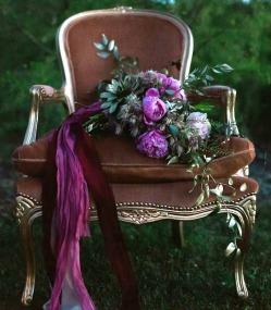 gold-parlour-chair